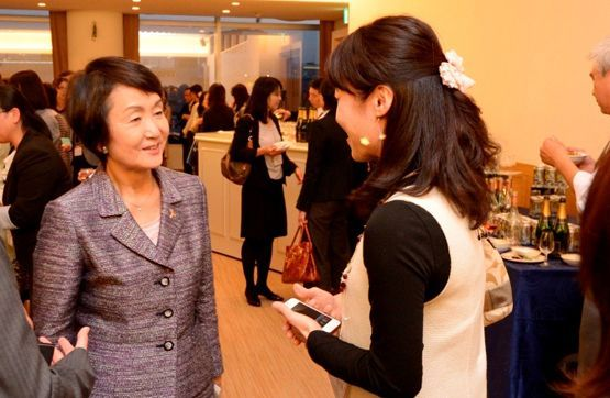 Forum for building networks of working women in Yokohama
