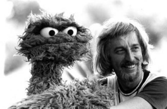 "Caroll Spinney and Oscar the Grouch on the 1977 set of ""Sesame Street's"" Hawaiian episode"